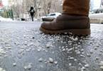 На владикавказские дороги высыпали более 300 тонн реагентов